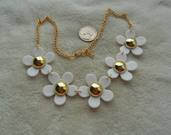 High Fashion Necklace-Dainty White Flower Power-N1489