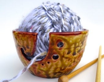Ceramic Yarn Bowl, knitting Bowl, yarn holder, Brown Drip glaze,Ceramic Stoneware, Pottery