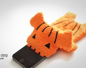 Fluffy Cellphone Case - Halloween Edition Pumpkin - Various Sizes (iPhone 5, 6 & Galaxy S3/S4)