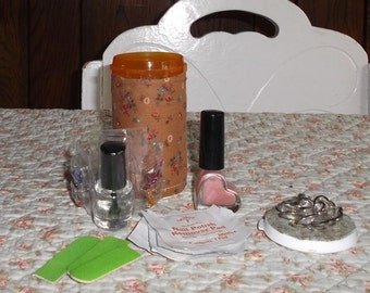 Fancy Travel MANICURE KIT in a QUILTED Bottle Polish ,Nail Charms, Emery boards