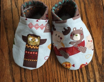 Baby shoes - rustic, customizable, elastic heal, soft sole, newborn to toddler, booties