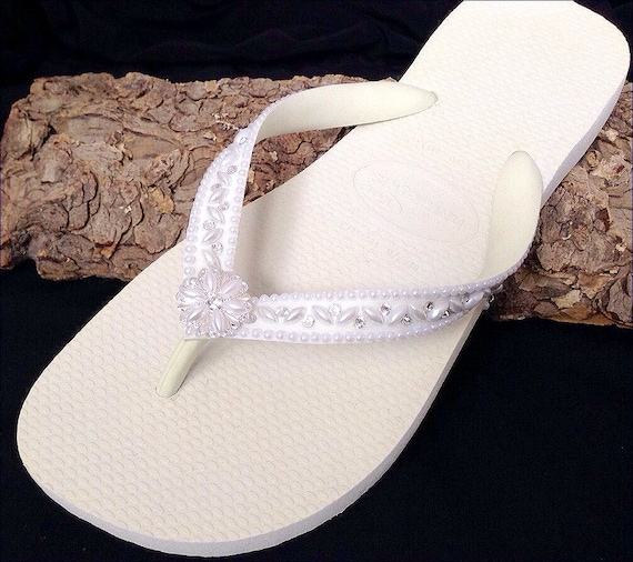 Custom Wedding Shoes Blushing Bride Pearls w/ Swarovski Crystal Rhinestone Beach Flip Flops Havaîanas Cariris Wedge Bridal Bridesmaid Shoes