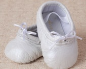Baby Ballet Slippers - Pearl White - premie newborn toddler ballet slippers moccasins