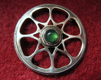 "Vintage GREEN TOURMALINE Cabochon and Sterling Silver Brooch -- Very Scandinavian Feel, 2.9g, 1"" Diameter"