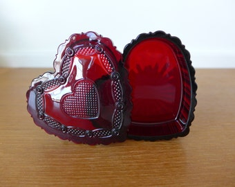 Avon cranberry glass heart box in excellent condition, 1876 Cape Cod collection