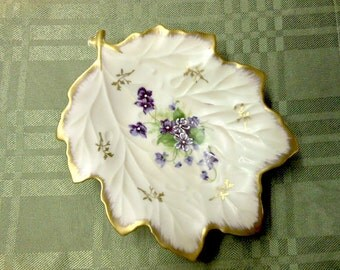 Beautiful Lefton Leaf Shaped Vintage Porcelain Dish Hand Painted Japan Delicate Embossed Detail Lilac Lavender Green Gold on Ivory Gift