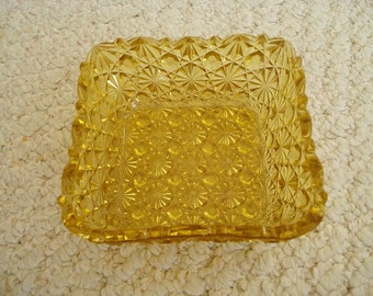 Daisy and Button Pattern Small Amber or Topaz Square Dish Vintage