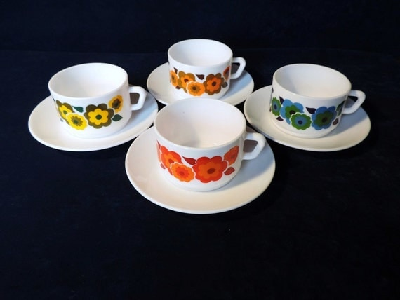 Arcopal 39 Lotus 39 Large Coffee Cups And Saucers Hot By