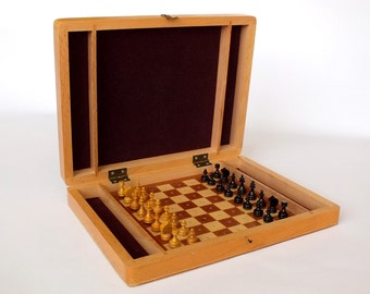Russian vintage chess. Full set.