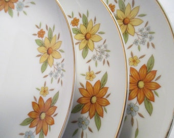 Vintage Grant Crest China Country Flower Salad Plate - Set of 3