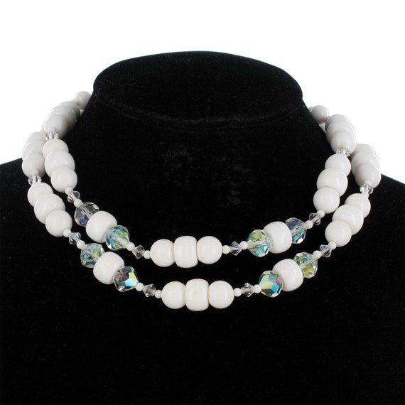 white beaded plastic choker necklace vintage 1950s