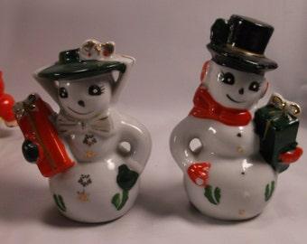 50 s  Christmas Snowman And Woman  Salt And Pepper Shaker Set  Japan.epsteam
