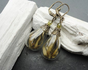 Earring real grass
