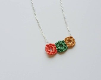 Support WWO - Blocks - crocheted squares necklace