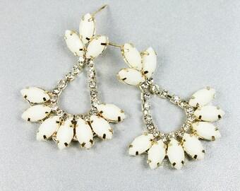 White Stone with tiny Rhinestone  Post Earrings . Bridal Earrings , Bridesmaid Earrings .