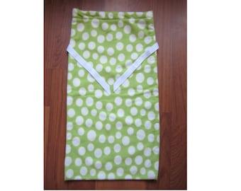 Green and White Polka Dot Fleece Gift Wrapping