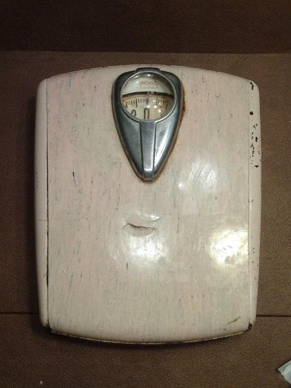 On sale shabby chic pink 1940s borg bathroom scale rustic home for Borg bathroom scale