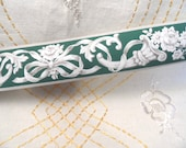 "Wallpaper border / 1 roll of original 1940's border / Cornucopia floral ribbon, deep green, vintage, 3"", Meyercord Trimz /NOS / regency 2074"