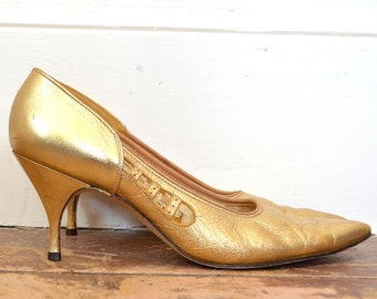 50's Metallic Gold Pumps - Vintage Shiny Gold Leather Heels - 1950's Classic Womens Heels