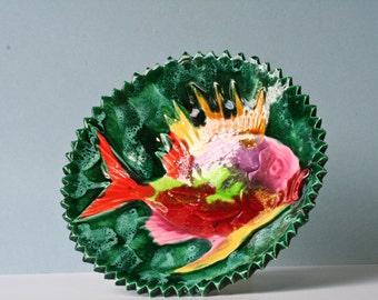 round green dish-  ground multicolored  fish- vallauris style
