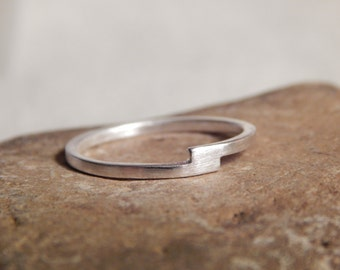 Sterling Silver Ring-Bypass ring-Modern Silver Ring-Handmade-Metal-Everyday Jewelry-Great Gift