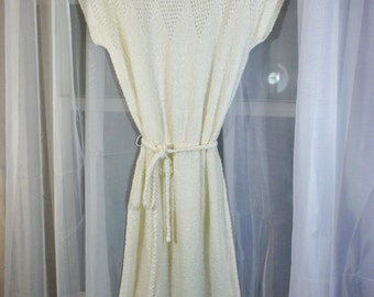 Vintage Ivory Sweater Dress with belt Medium Short sleeve Boucle Texture