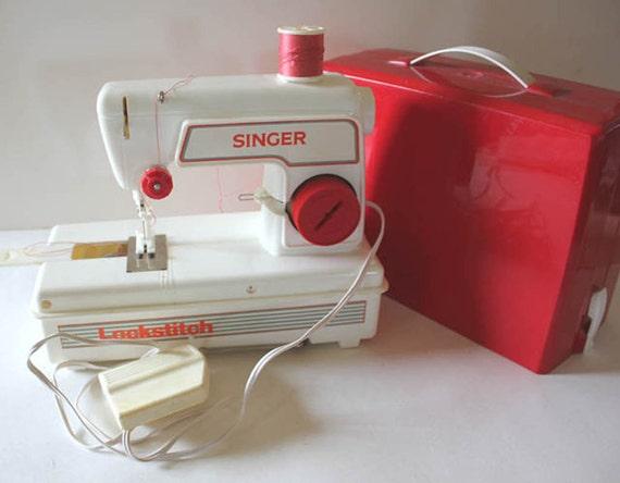 Articles similaires vintage singer piqueuse machine for Machine a coudre king jouet