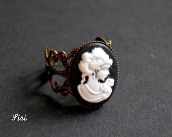 Black cameo cabochon ring