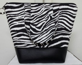 Insulated Lunch Tote,Vinyl Bottom,Zebra Print, Black & White, Nylon Lining with Inner Zipper Pocket, Purse,Work Lunch Bag,Washable,Reusable.