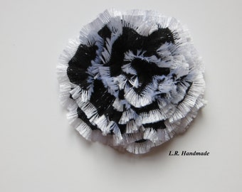 Flower Brooch, Crochet flower pin,  Scarf pin, Lapel pin, Coat brooch, Fashion, Black and White, Brooches, Large Brooch, Mother's Day gift