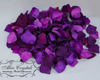 200 Dark Purple  Rose Petals. Wedding Flower Decoration. Confetti flower.