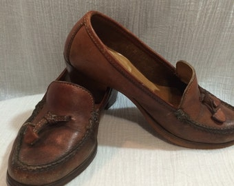 Vintage 70's Whiskey Brown Leather Heeled Loafers by Dexter Ladies size 6