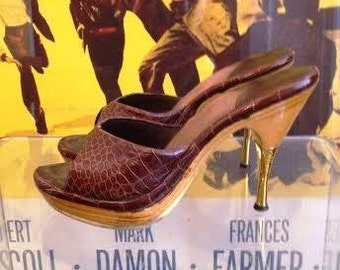 SALE! Vintage 1950's Genuine Alligator Polly Heels Size US 4 1/2-5 Narrow