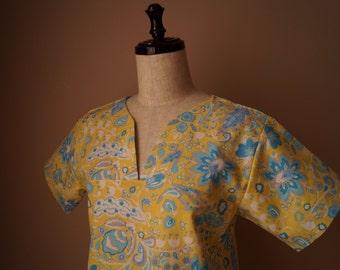 Dena Designs  Sunshine Linen Blend Bell Flower top size small (2-4)