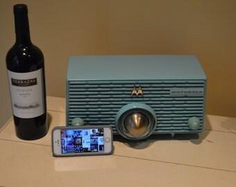 "Bluetooth iPhone Ready 50's Motorola "" Bullet "" Tube Radio Bakelite Beauty w Bluetooth and Tube AM //  Mint Blue Green // Rare"
