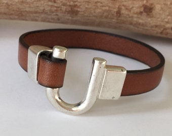 Tan Leather Horseshoe Bracelet, Equestrian Bracelet,  Leather Bangle, Tan Leather and Silver Clasp
