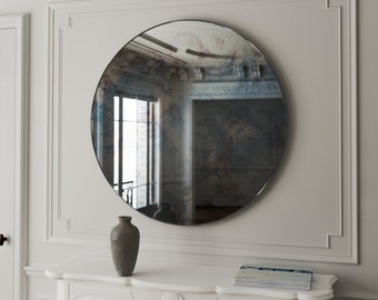 Small frameless round mirror small vintage inspired antiqued for Accrocher un miroir