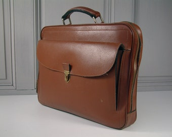 French vintage genuine leather briefcase schoolbag. 1970s style. Laptop case