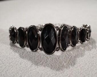 Vintage Art Deco Style Jet Black Glass Stone Gun Metal Tone Graduating Bracelet Jewelry       K