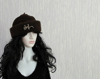 Vintage Retro Hat Brown Wool Toque with Broch Women Fashion 90s