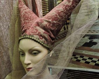 Madame Sans Per Medieval Headdress
