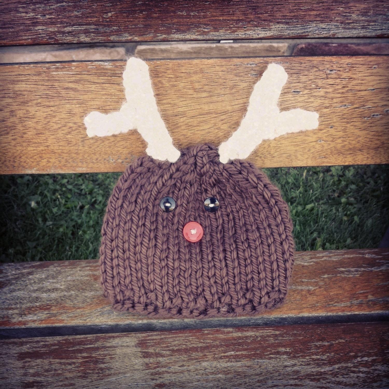 Reindeer Hat Pattern newborn6 months knit hat by byHeatherMarie