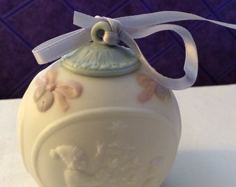 Lladro 1995 Christmas Ball Made in Spain. Limited Production, hand made, and hand painted