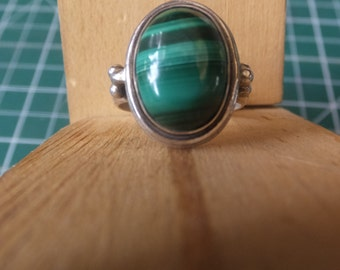 Sterling Silver and Malachite Ring........Size 8