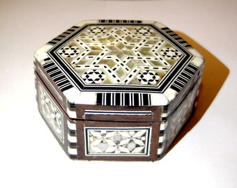 Vintage jewelry box,antique jewlry box,mother of pearl tiles