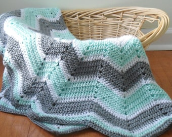 Soft Crocheted Baby Blanket, Gender Neutral, Star Shaped Baby Blanket, Made to order