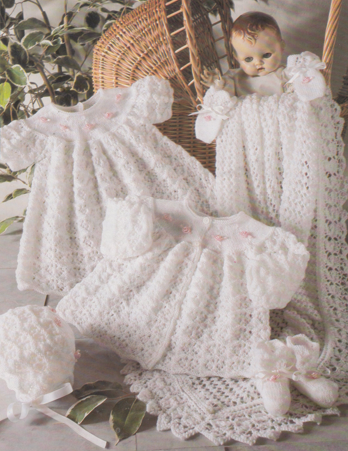Knit Baby Blanket Pattern Easy Free : vintage baby knitting pattern for 3 ply layette set blanket