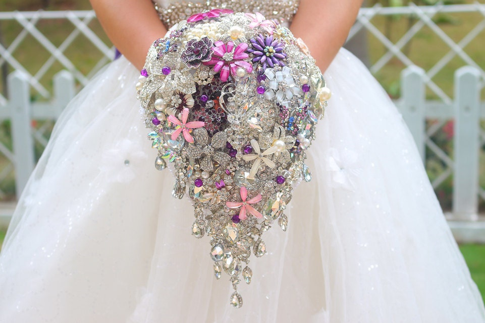 Diy Bridal Bouquet Tips : Wedding accessories ideas