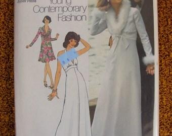 1970's Junior Petite 11 13 Dress Uncut Simplicity Sewing Pattern 6658