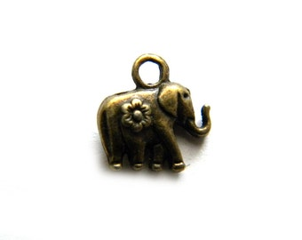 10 Bronze Elephant Charms - 12mm